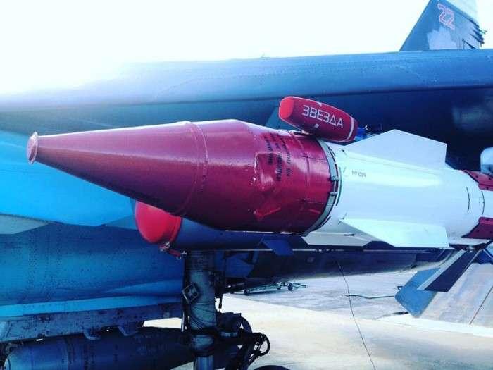 Фотографії з російської авіабазі Хмеймим в Сирії (25 фото)