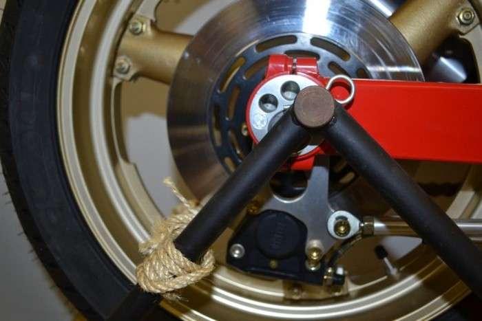 Капсула часу - «законсервований» мотоцикл Bimota DB1SR 1987 року випуску (13 фото)