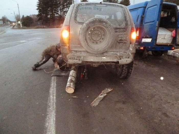 Водій позашляховика з колодою замість колеса розповів про свою пригоду (20 фото + 2 відео)