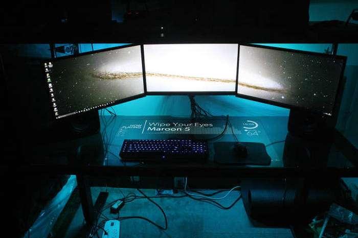 Крутий саморобний компютерний стіл (33 фото)
