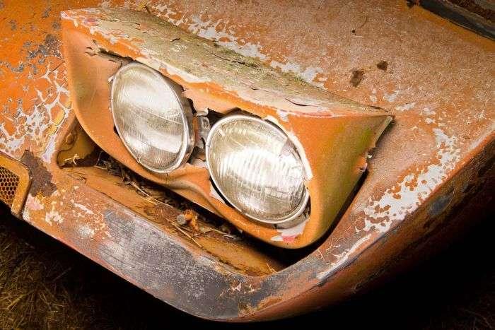 Простояв в сараї кілька десятиліть масл-кар Dodge Charger Daytona 1969 продадуть на аукціоні (16 фото)