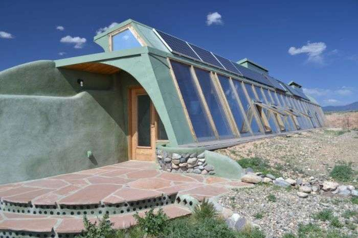 Комуна Earthships - місто екологічно чистого житла з вторсировини (16 фото)