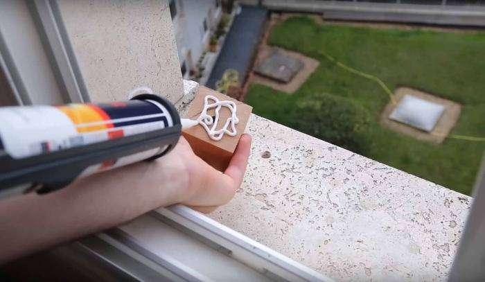 Як простий парижанин змінив вигляд зі свого вікна (11 фото)
