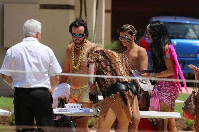 Шикарна вечірка у австралійського тютюнового магната Треверса Бейнона (45 фото)