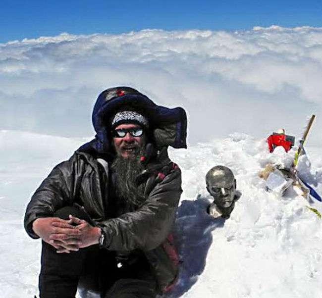 На афіші голлівудського фільму «Еверест» виявилося фото піку Чапаєва, зроблене священнослужителем з Алмати (8 фото)