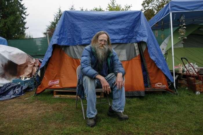 Наметове містечко «Надія» для бездомних в США (35 фото)