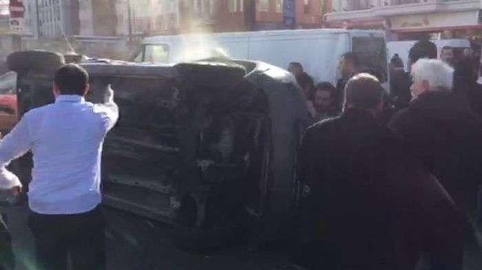 На головній площі Стамбула прогримів потужний вибух, є жертви (4 фото + відео)