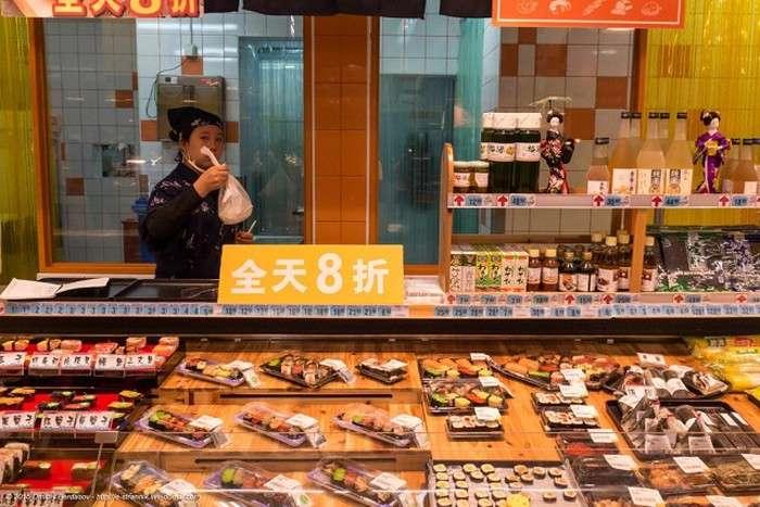 Великий китайський супермаркет в провінційному місті (32 фото)