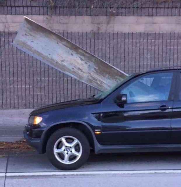 Везучий водій BMW (3 фото)