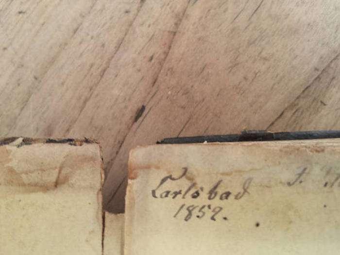 Схованку в старому шафі (13 фото)