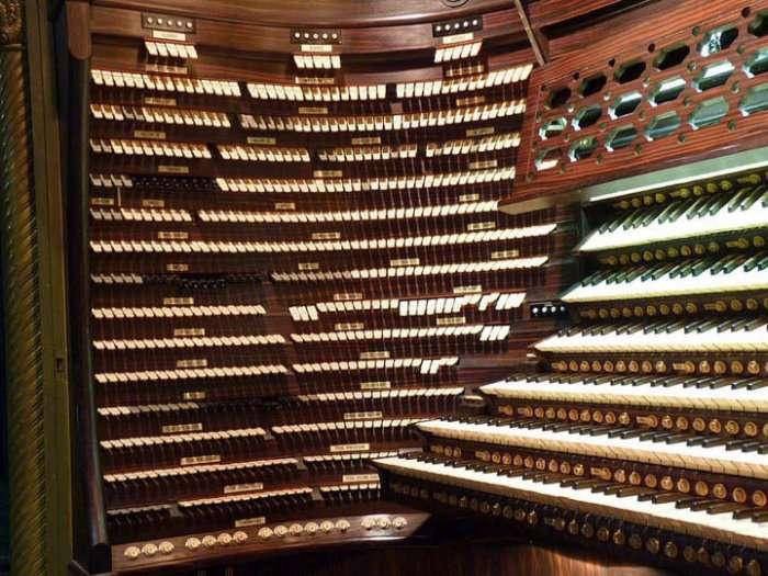 Найбільший у світі орган (9 фото)