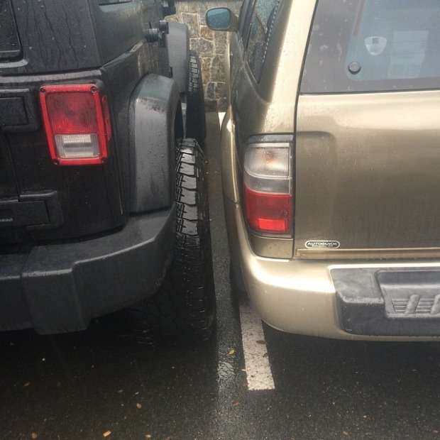 Майстер паркування на позашляховику (6 фото)