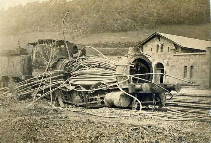 Сумне видовище: паровози після вибуху котла (6 фото)