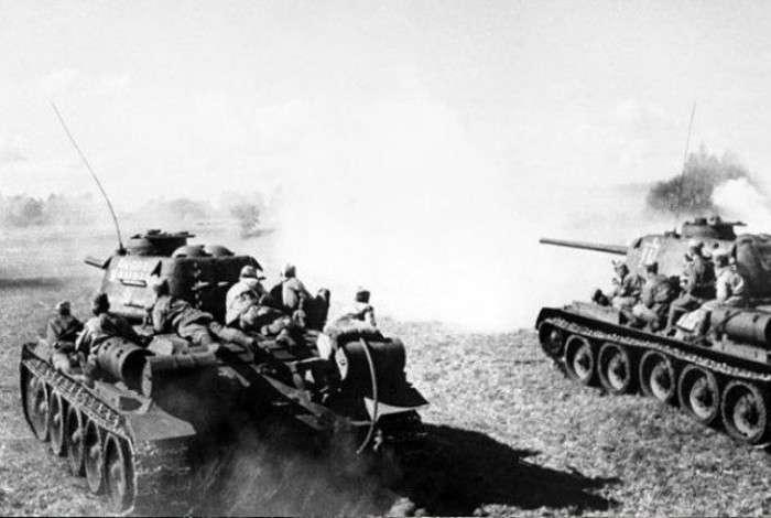 Подвиг молодого червоноармійця Юрія Смирнова в роки Великої Вітчизняної війни (4 фото)