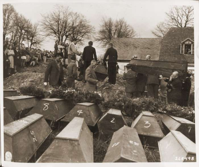 Як карали німців, причетних до нацизму, в західній післявоєнної зоні окупації Німеччини (22 фото)