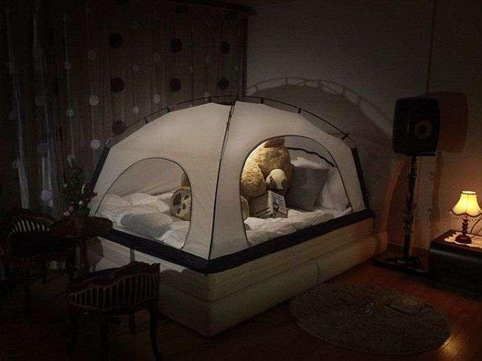 Для економії тепла американці пропонують ставити поверх ліжок намети (6 фото)