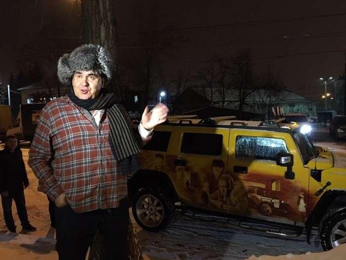 Шанувальники актора Станіслава Садальського здивували його незвичайним автомобілем (4 фото)