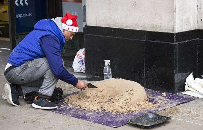 У Лондоні вуличний художник створює скульптури з піску (11 фото)
