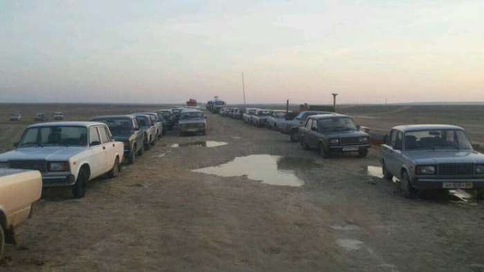 На туркмено-казахстанському кордоні пявилась звалище вітчизняних автомобілів (5 фото)