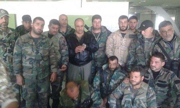 Бійці сирійської спецназу отримали російські медалі за порятунок штурмана збитого літака Су-24 (4 фото)