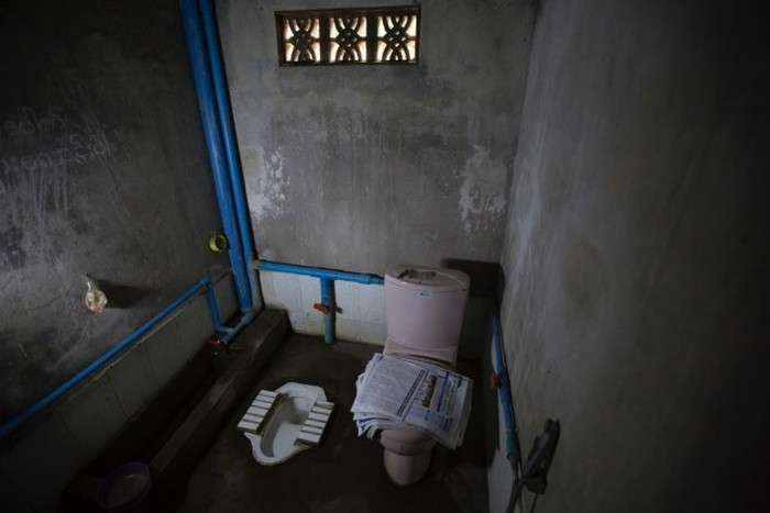 Туалети в різних частинах світу (45 фото)
