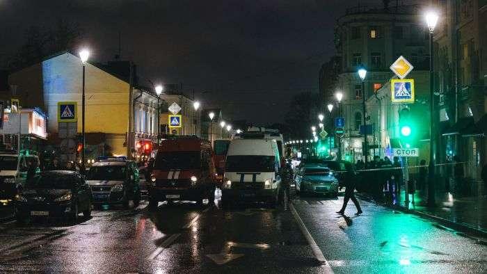 У центрі Москви на автобусній зупинці прогримів вибух, є постраждалі (14 фото + відео)