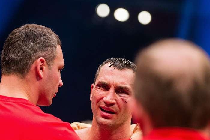 Володимир Кличко програв титульний бій з Тайсоном Фюрі (6 фото + відео)