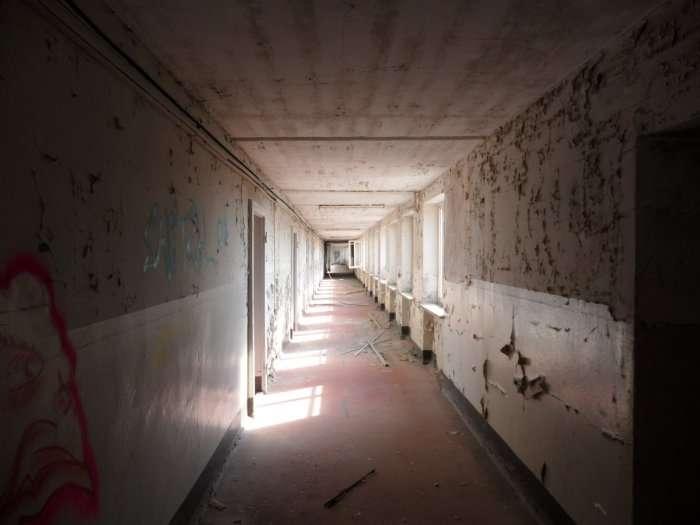Незвичайна доля занедбаного курорту Третього рейху (20 фото)