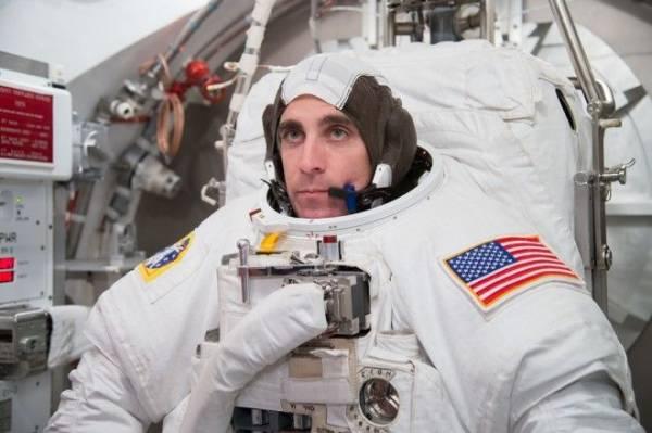 Астронавты рассказывают правду о космической болезни Интересное