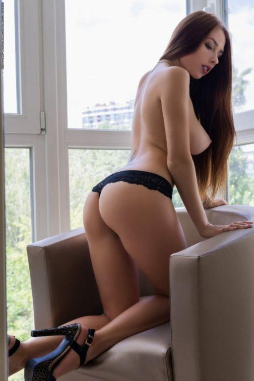Эффектная Нимира с красивой грудью Развлечения,бикини,девушки,красотки