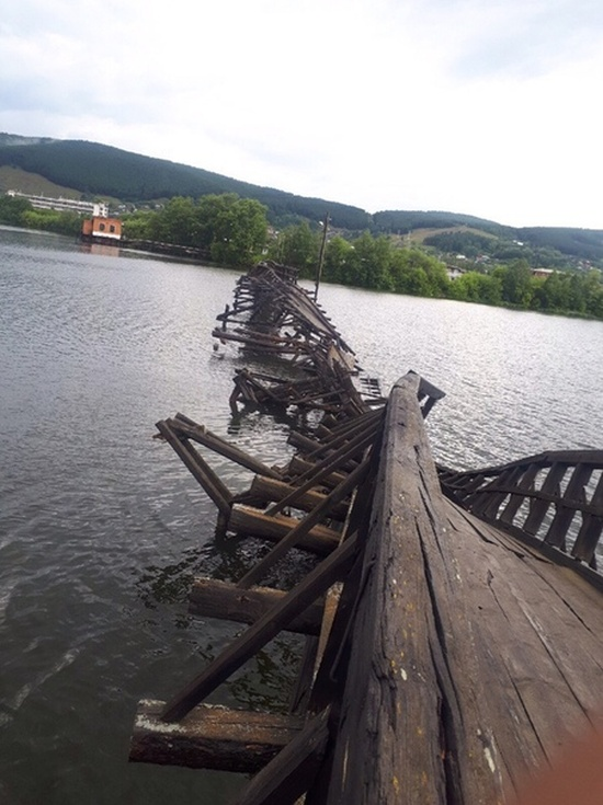 Обрушился самый длинный деревянный мост в России Всячина