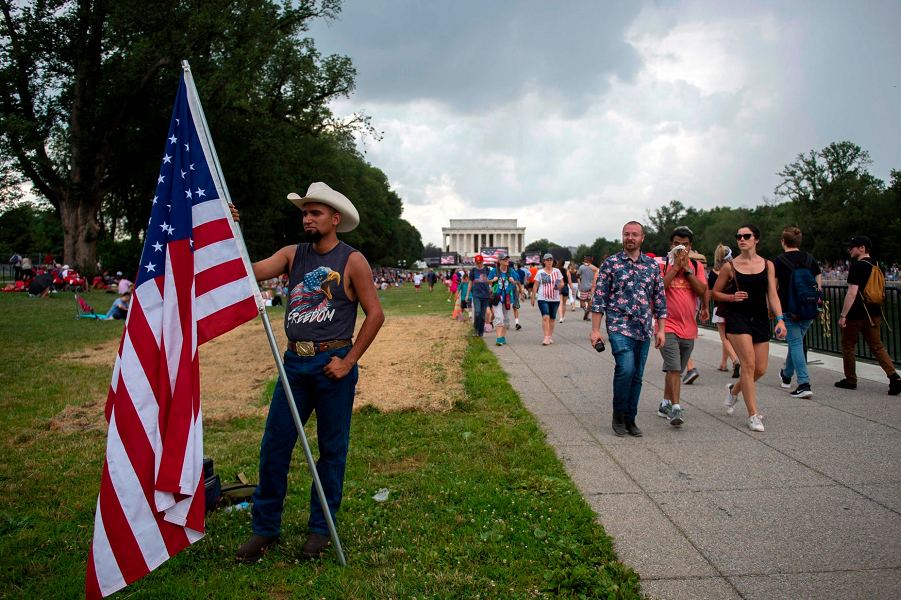 У американцев свой парад! Впечатляет?