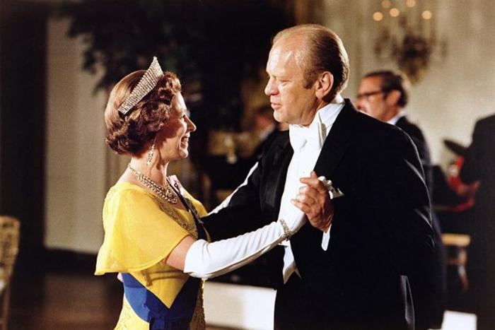 Запреты и табу на встрече с королевой Великобритании запрет,короли