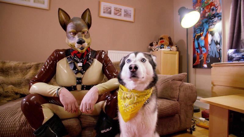 Только от жизни собачей мужчина бывает кусачим: британец считает себя псом зверушки,живность,питомцы,Животные