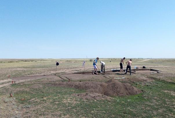 Архитектура поселения, бронзовые предметы, керамика и лощила – получены Археология