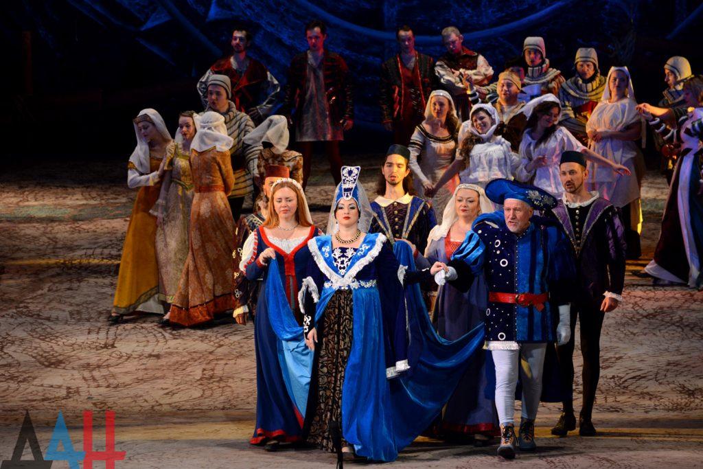 Уникальная концепция и дорогостоящие костюмы: «Донбасс Опера» поставила мистерию «Кармина Бурана» Культура и искусство,донбасс,Кармина Бурана,опера