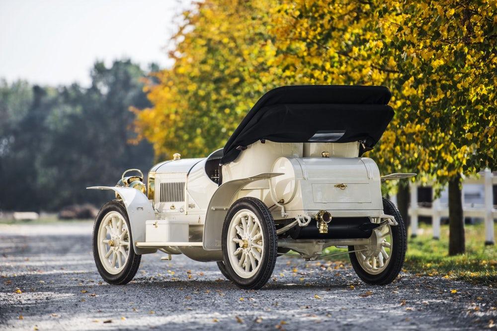 Шкода восстановила спортивный автомобиль начала XX века: фото раритета авто