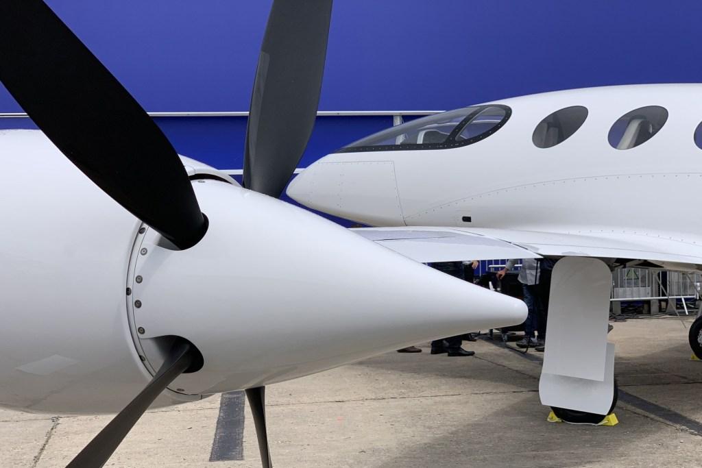 Первый электросамолет Eviation Alice: новинка, представленная на Парижском авиасалоне Интересное