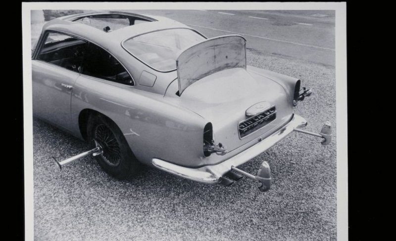 Aston Martin как у Бонда. Джеймса Бонда   авто