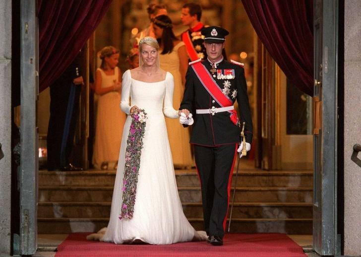 История матери-одиночки из простой семьи, которая вскружила голову наследному принцу Норвегии Интересное
