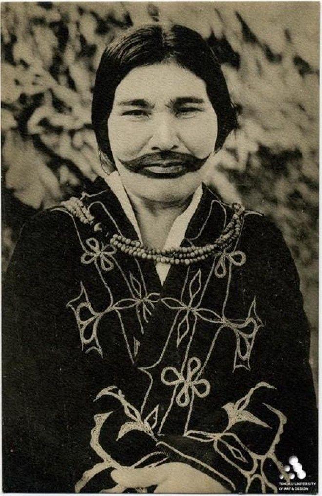 Разгадка древней традиции: зачем женщины Айну делали татуировки-улыбки