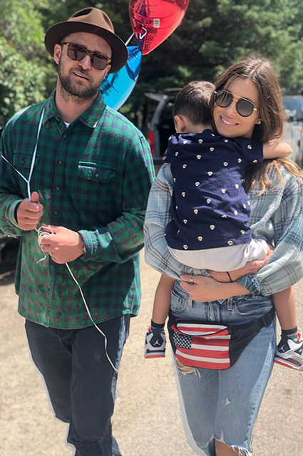 Джессика Бил и Джастин Тимберлейк отметили День независимости США вместе со своим сыном Звездные пары
