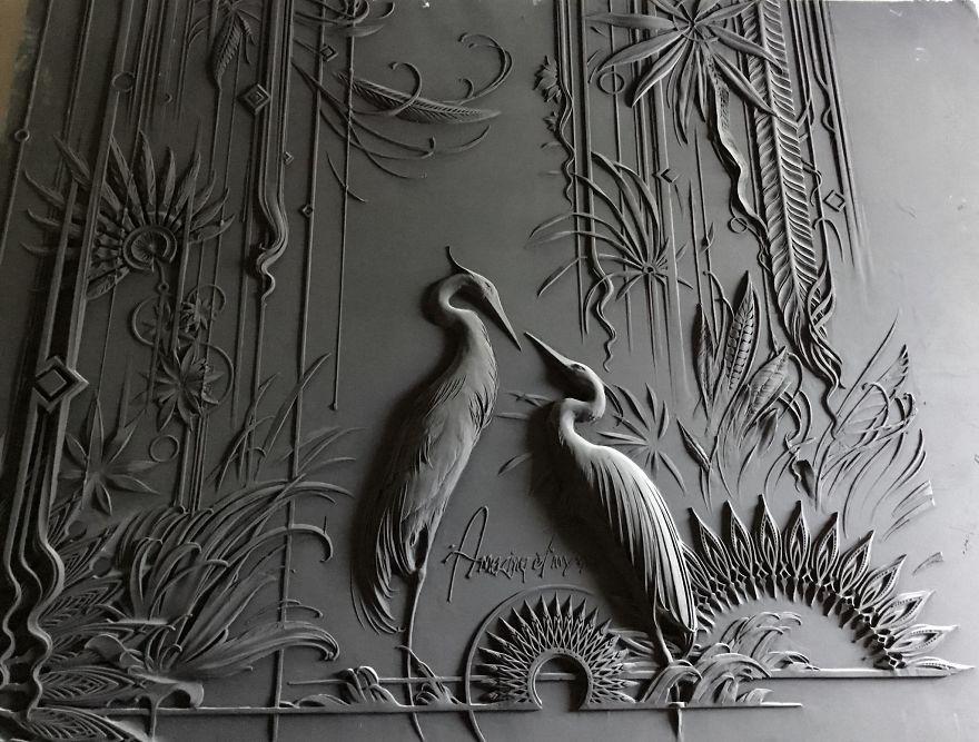 Российский художник создаёт на стенах невиданные барельефы