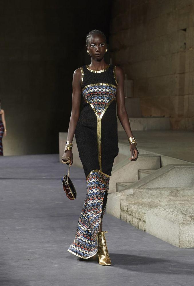 Chanel привез Египет в Сеул: Топ-17 нарядов показа Metiers d'Art 2018/19 chanel,дизайнеры,коллекции,мода,мода и красота,стиль