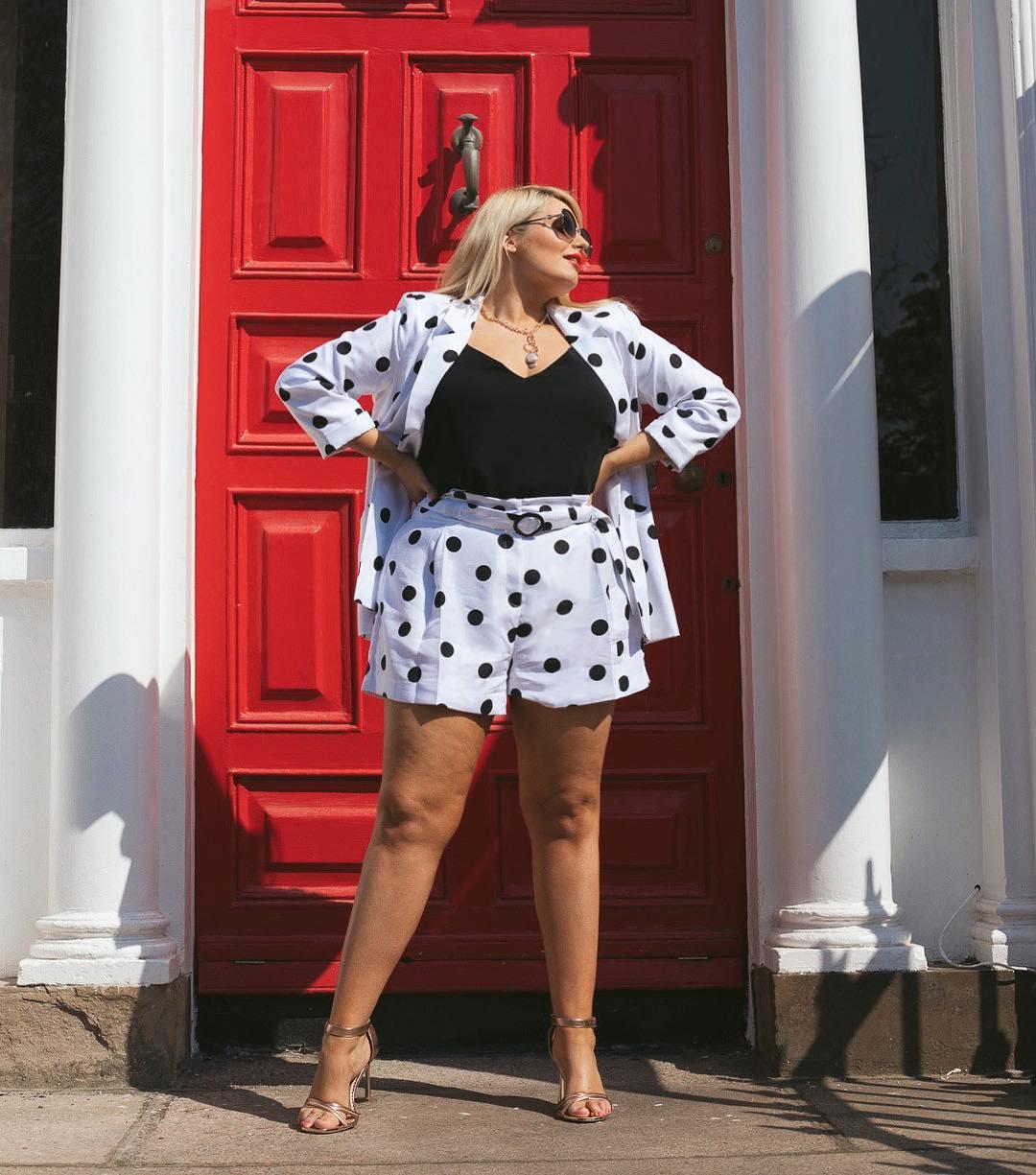 В полном порядке - 8 шикарных летних образов с шортами для пышных дам лучшее,мода для полных,модный обзор,образ,стиль