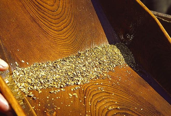 Намываем золото в реке золото,золотодобыча,как найти золото,Тренинг
