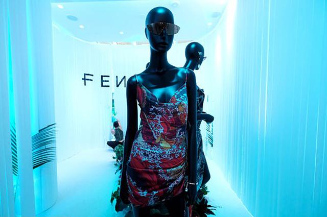 На марку косметики Рианны Fenty Beauty подали в суд Новости красоты
