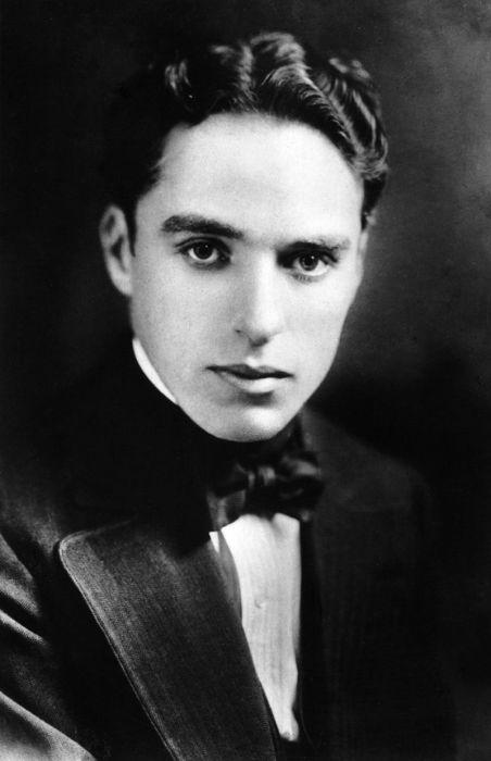 За что Чарли Чаплин подвергался травле и был выслан из США