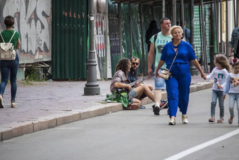 Записки Колорадского Таракана. А за вікном все те ж літо... украина