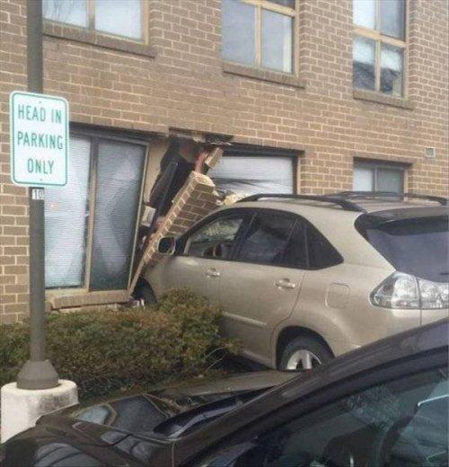 Необычные аварии и впечатляющие ДТП приколы,смешные картинки,юмор